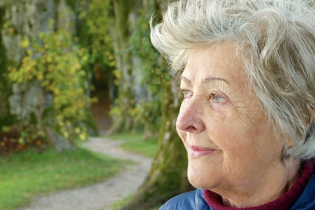 تغییرات بینایی در افراد بالای ۶۰ سال